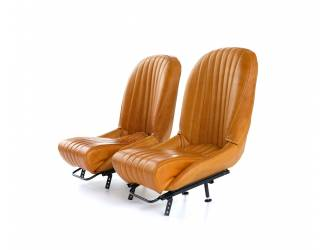 Classic front leather seats...